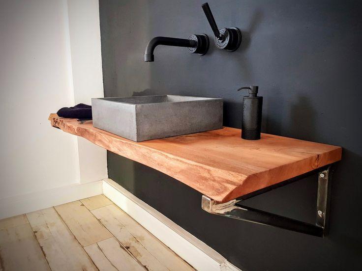 Betonwaschbecken in vielen Größen und drei verschiedenen Farbtönen für Euch von Handgemacht. Dazu eine Holzplatte aus wunderschönem Ulmeholz und