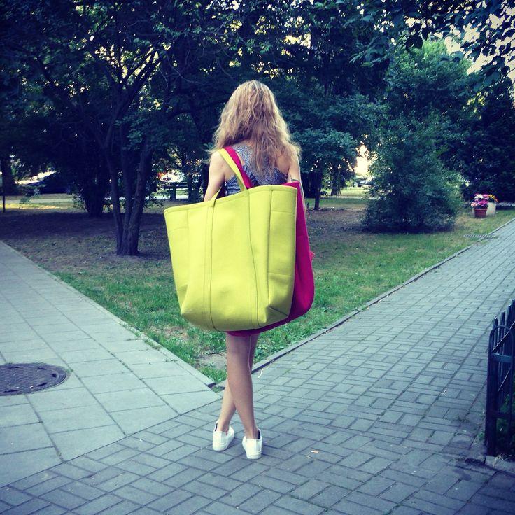 Light green and amaranth felt oversize bags Sweet Revenge