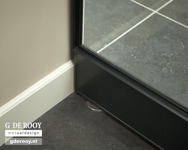http://www.stalen-binnendeuren.nl/voorbeelden-stalen-deuren/15-frits-jurgens-industriele-taatsdeuren-deil