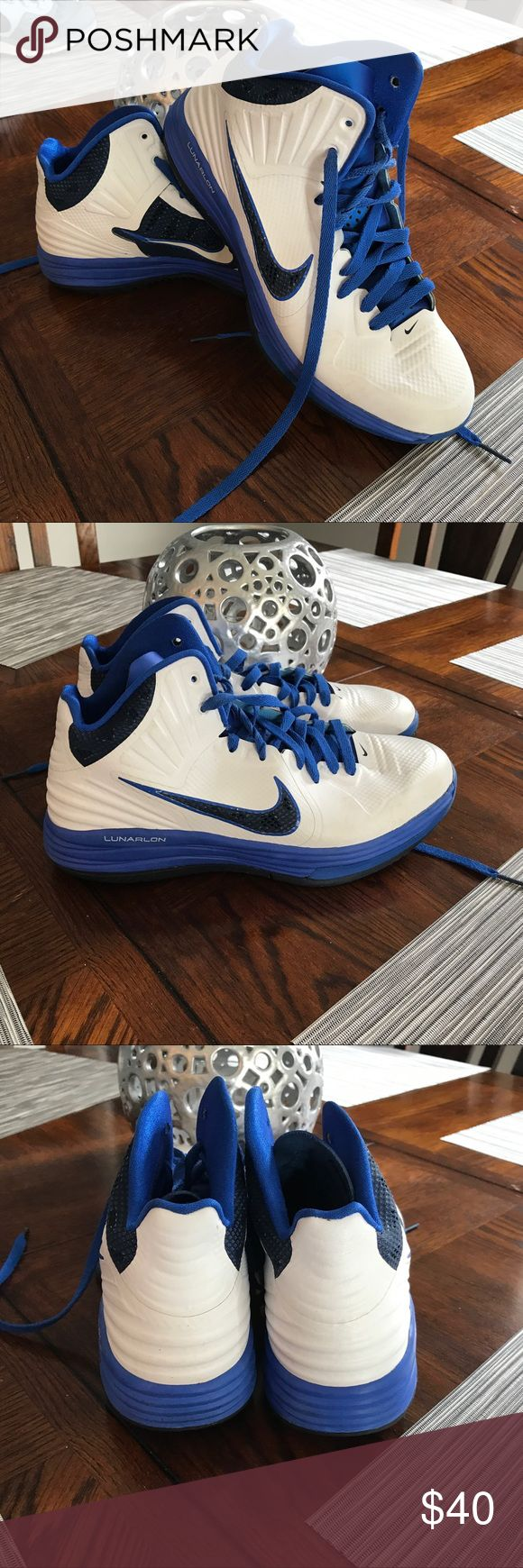Nike women's basketball shoes Slightly used but in very good condition. Size 9 in women's Nike Shoes Athletic Shoes