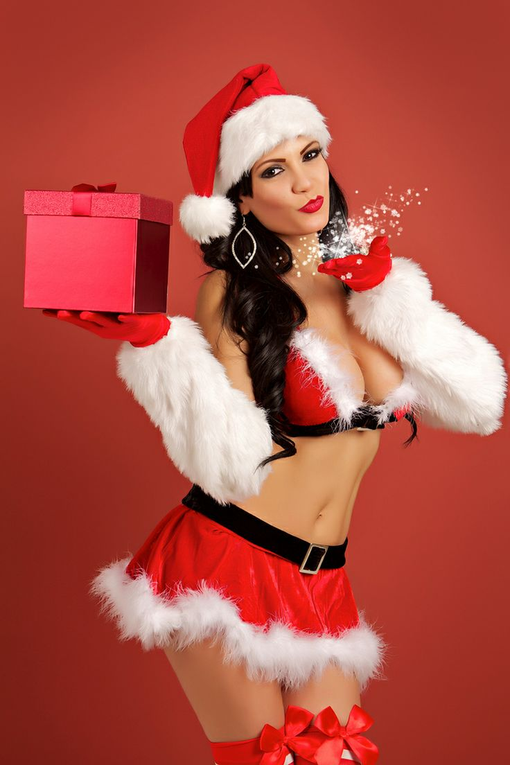 125 best images about santa 39 s sexy helpers on pinterest for Hot christmas pics