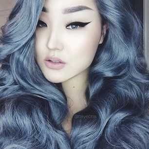 Fantastic blue grey colour, great volume and waves and the cat eye liner is the bomb. Fashion | Amazing Hair | Cool Hairstyle | Hair Color | DIY Hair