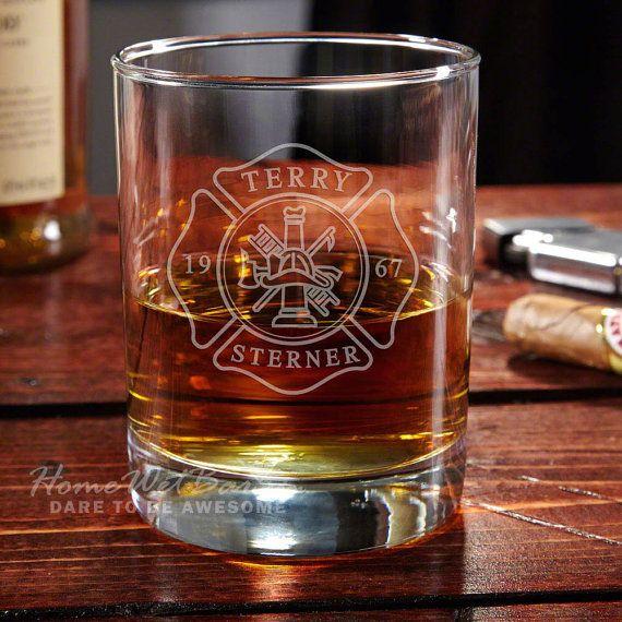 Hey, j'ai trouvé ce super article sur Etsy, chez https://www.etsy.com/ca-fr/listing/237179888/edouard-pompier-personnalise-whisky