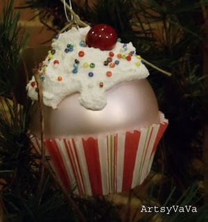 Cupcake ornament for the tree.  My granddaughter loves cupcakes and this would be perfect for her tree...super easy to make also