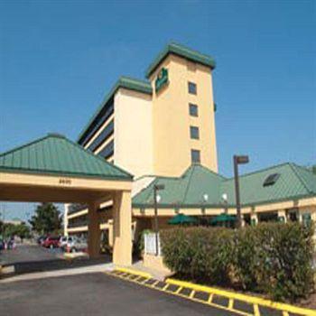 Pet Friendly Hotels in Virginia Beach, VA, US
