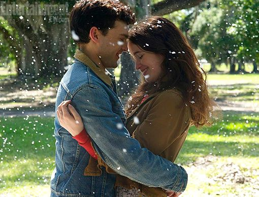 FIRST LOOK: 'Beautiful Creatures' brings the Southern (gothic) charm