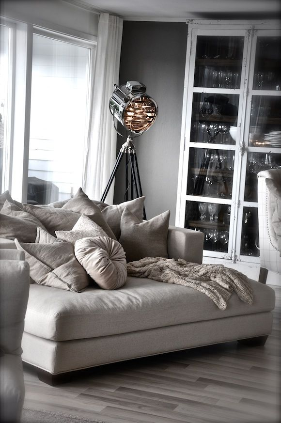 25 best big comfy chair ideas on pinterest. Black Bedroom Furniture Sets. Home Design Ideas