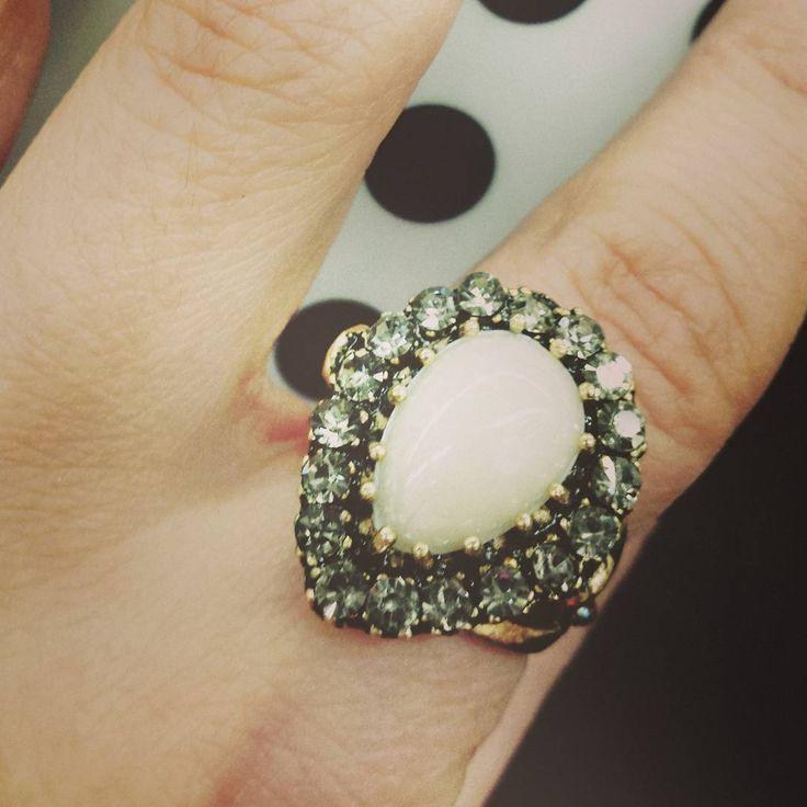 #rings #ringsobsessed #ringsofinstagram #fashionaccessories #jewelleryobsessed #timelesstreasures #merxclassic. Follow us at #Merx_inc @MerxInc