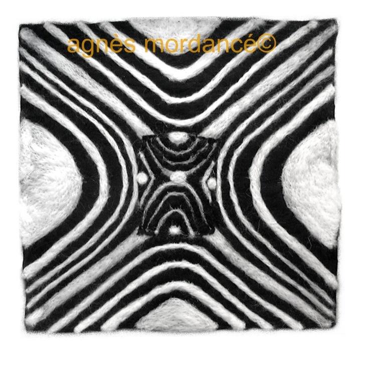 création agnès mordancé© -  Unauthorized copying  - ooak  needle felted art http://www.alittlemarket.com/autres-art/feutre_d_art_encadre_35x35cm_tableau_en_laine_feutree_piece_-4978871.html