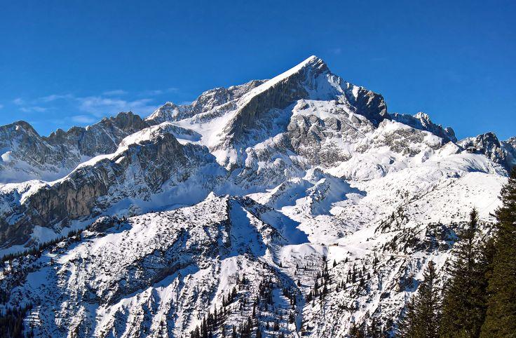 The skiing is still well under the Alpspitze in Garmisch-Partenkirchen. The weather is great - ski fun 100 percent!