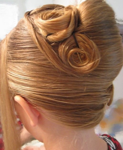 Awe Inspiring 1000 Ideas About French Twist Hairstyle On Pinterest Twisted Short Hairstyles Gunalazisus