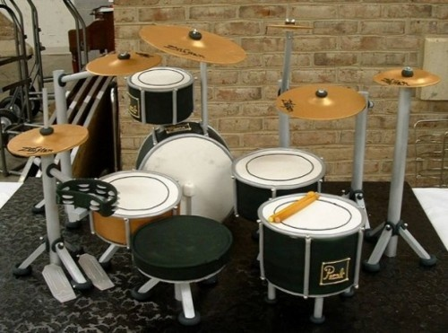 Pearl Drumset CAKE. Yes. !! (and 39 other amazing cakes!)