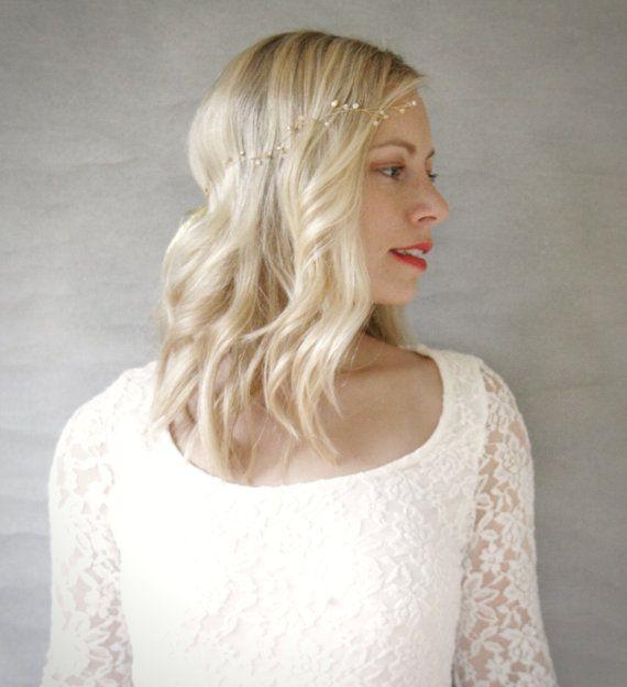 Simple Gold and Freshwater Pearl Wavy Bridal Hair Vine. Wedding Hair Vine Accessory. Veil Alternative.