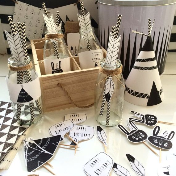FEATHERS and TIPIS custom printable party Kit by AMAYADEEME