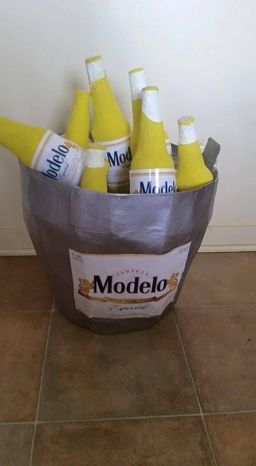 Piñata cubeta de cervezas Modelo