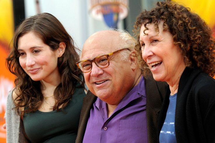 Danny Devito and Rhea Perlman, with daughter.