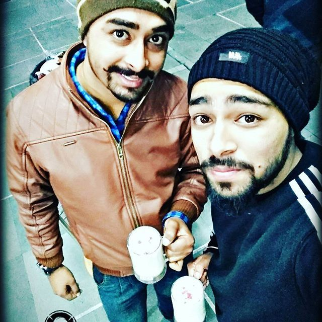 #Ohh_Sharabi_Yaar_Mod_Do #banana_shake #lolz #meet #After #Long #time #43 #isbt #chandigarh #thursday #winterfashion  #winter  #love #color #black #thuglife #beardlife #mushtache #beards #beardlover #beard #beardgang #PaNdiT #SkAy  #wid @akshay.ku #love  #u  #bro #like4like #followforfollow pandit skay , shubham kaushal , pandit photography , ShuBhaM , sky , sk , pandat