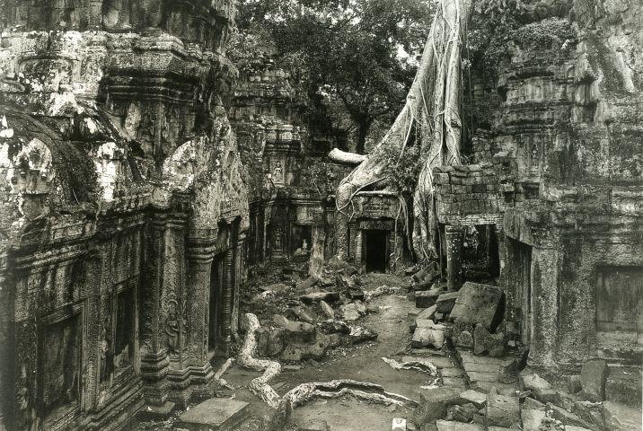 Kenro Izu, Angkor #71