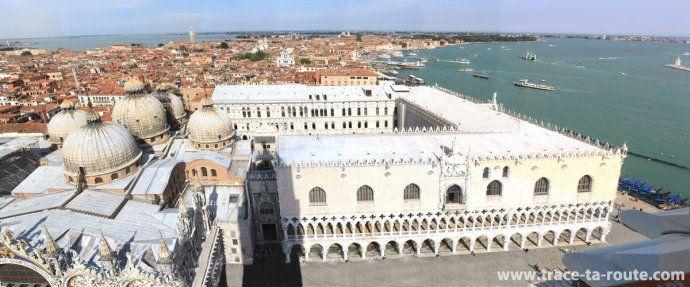 Vue depuis le Campanile Saint Marc : le Palais des Doges et la Basilique Saint Marc, Venise