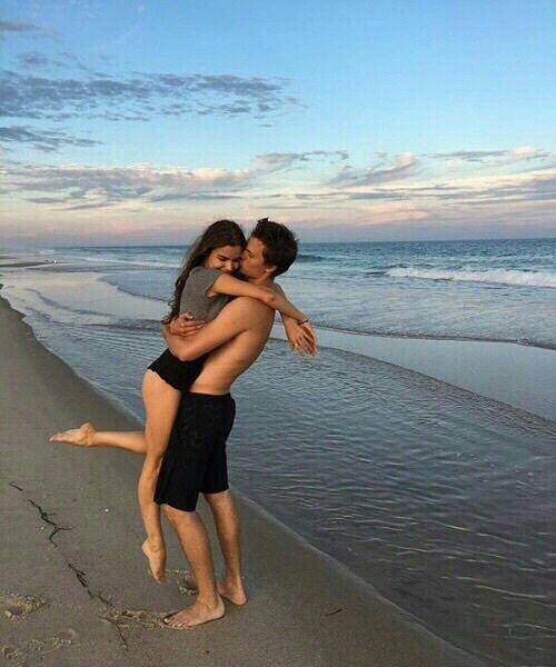 Imagen de love, couple, and beach, aesthetic, baby, bae, boy, couple, girl, friend, cute, lovely, copuples, cute, sun, jadison, kelsey calemine, kiss,…