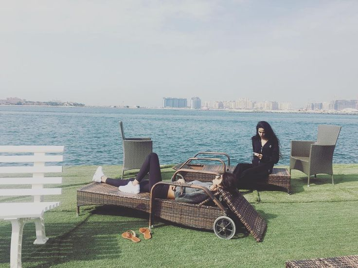 Chilling in Dubai. @garhwal_amika is wearing the Original Onesie #Dubai #Sun #Chill #Jumpsuit #Onesie # Onepiecenorway