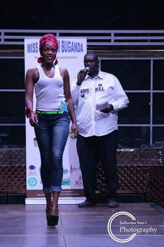 RADIO PRESENTER PROFILES UGANDA-ABU KAWENJA. - Abubaker Kawenja, CBS FM, Uganda    Abubaker Kawenja is a professional Journalist/Broadcaster and Theater practitioner. Currently the host of the breakfast show Bwakedde Mpulira on CBS FM 88.8, He first hosted Sserugogonola the early morning show at Radio One fm 90 from 1997. MC Kawenja. Director RTF. Abu... #abukawenjacom #adzido #ambiance