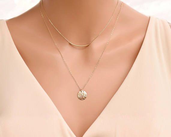 Collier en or disque - collier Initial, collier de disque martelé, cadeau d'anniversaire pour elle, cadeau pour maman, cadeau de Noël pour elle ********************************************* DESCRIPTION: Belle 14K collier rempli d'or dispose d'un disque de texture 13,5 mm martelé. Texture