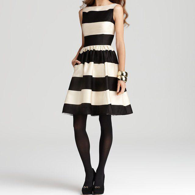 Kate Spade! Love Black and White e listras e saia evase, e blusa sem mangas...rsss