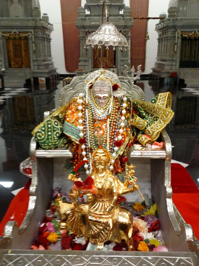 The Jyoti Rath of Shree Umiya Mataji Unjah, Gujarat State, India has arrived to Fort Myers to bless us all... Umiya Mataji's blessings are with you my dost. .