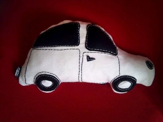 zabawki - inne-autko- poduszka