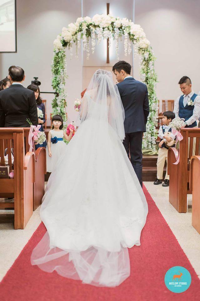 wedding reception photo booth singapore%0A Real Weddings  Story of Sam  u     Bernie  Thompson Baptist Church  u     Fullerton  Hotel