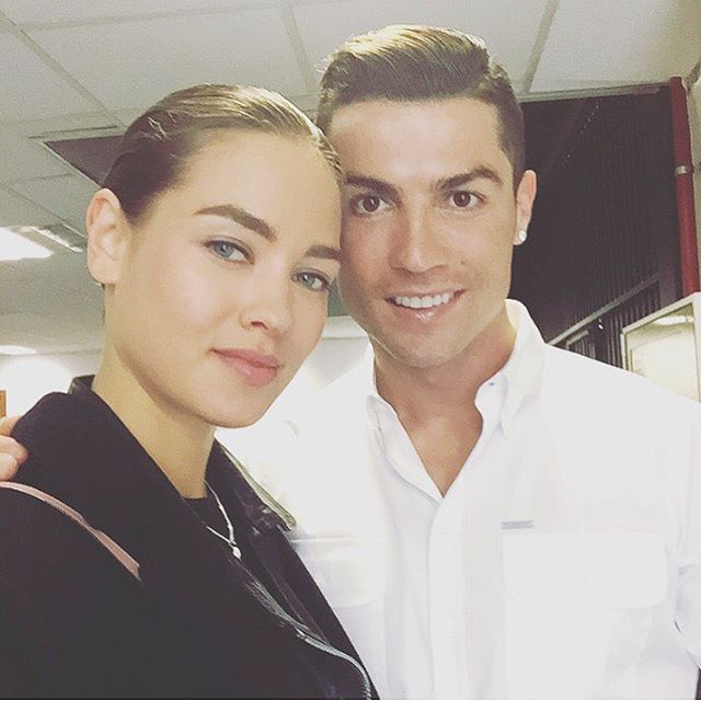 "Páči sa mi to: 6,150, komentáre: 160 – Gulsina (@gulsina) na Instagrame: ""Meeting Cristiano @cristiano 🌟🌟🌟❤❤❤q más? #tvc #comingsoon #cr7 #ronaldo #cristianoronaldo #madrid…"""