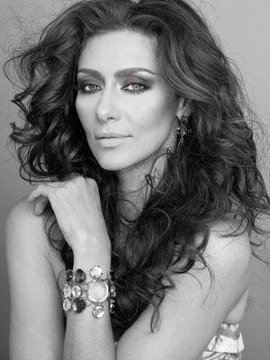 Maria Fernanda Candido, 21 de maio de 1974. Atris e modelo.