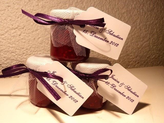 Originelle, hübsche und leckere Marmeladen oder Honige als Tischdeko, als Gastgeschenk oder Platzkärtchen für Hochzeit, Geburtstag, Taufe ...     +...