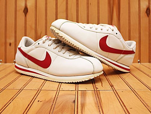 2009 Nike Cortez Size 8.5 - White Red - 317266 162