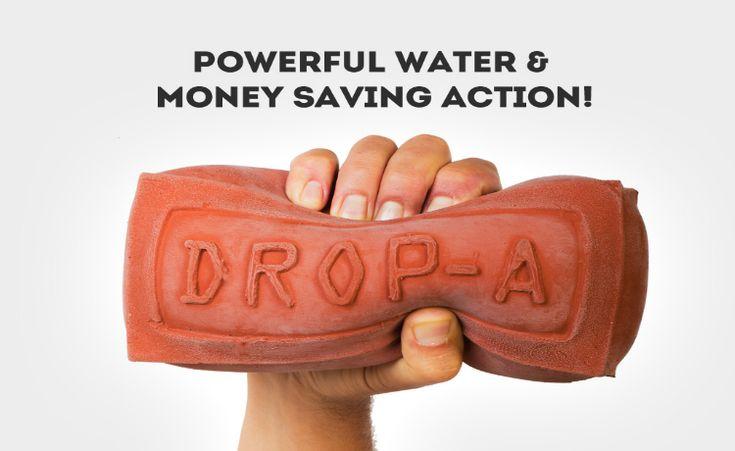 """""""Drop-A-Brick"""" atualiza truque antigo para economizar água."""