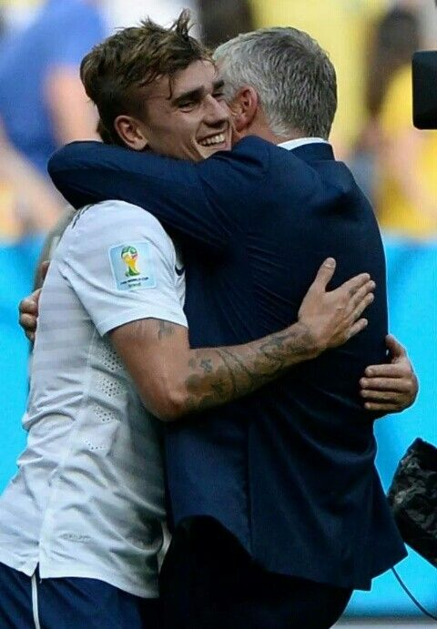 Antoine Griezmann et son coach Didier Deschamps ❤