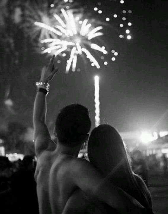 I wish I had a boyfriend to watch fireworks with!