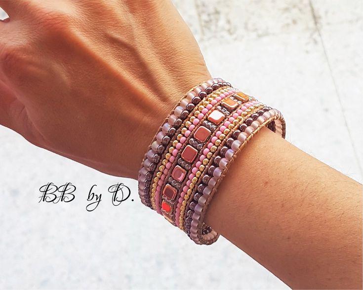 Manchette large en cuir et perles. Bracelet Wrap multi-rangs femme style bohème hippie chic. Couleurs Rose , or rose, capri gold