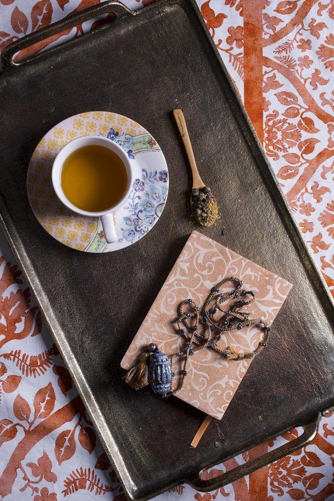 ¿Qué hace la #taza de #té perfecta? Algunos dicen que lo más importante es la calidad de las #hebras. Otros apuntan al método de infusión apropiado. Phone, Strands, Mugs, Food, Telephone, Mobile Phones