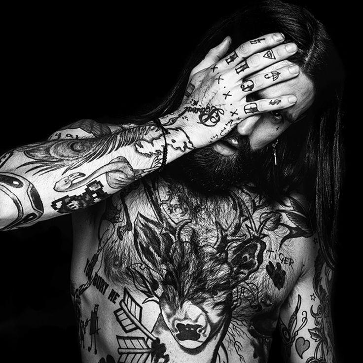 """""""Skin Deep"""": el ascenso de los modelos masculinos tatuados [NSFW]"""