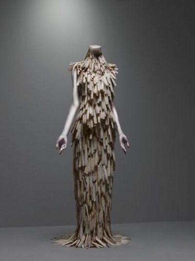 Alexander McQueen - exposição Nova York - vestido de conchas