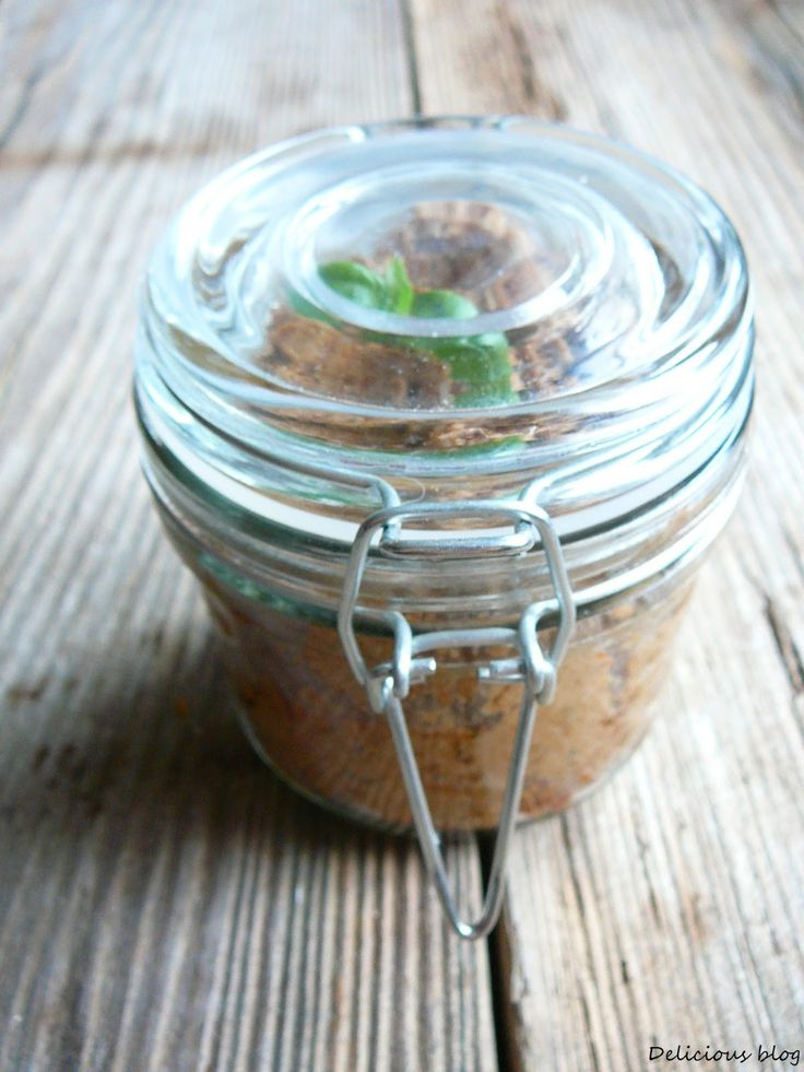 Delicious blog: Slunečnicovo-rajčatová pomazánka