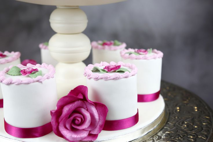 One of many images taken for a client who supplies Designer Wedding Cakes. www.CakesbyDee.co.uk