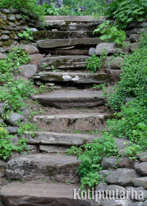 Täydelliset kiviportaat! www.kotipuutarha.fi