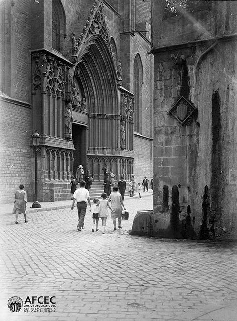 Santa Maria del Mar, Barcelona, 1916-1937. Author: Frederic Flos i Gibernau. Catalonia | Europe