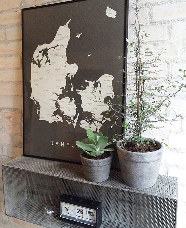 The Pictures of Martin Moore! His wonderful prints of denmark are amazing. Here from the wonderful @carlasofiemolge available in size A3 and 50x70 cm #martinmoore #martinmooredk #nordicliving #nordiskdesign #denmark #map #marble #design #interiordesign #indretning #bolig #boligblog #bobedre #boligmagasinet #photoshoot #danmark #artprint #kunsttryk