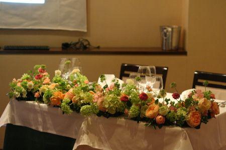 ウエディングパーティの装花 シェアできるメインテーブル装花 コルテージア様へ : 一会 ウエディングの花
