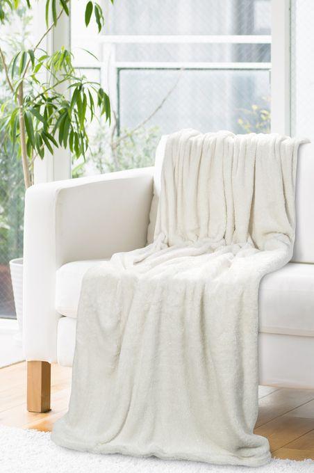 Hrubá krémová deka so strieborným vlasom