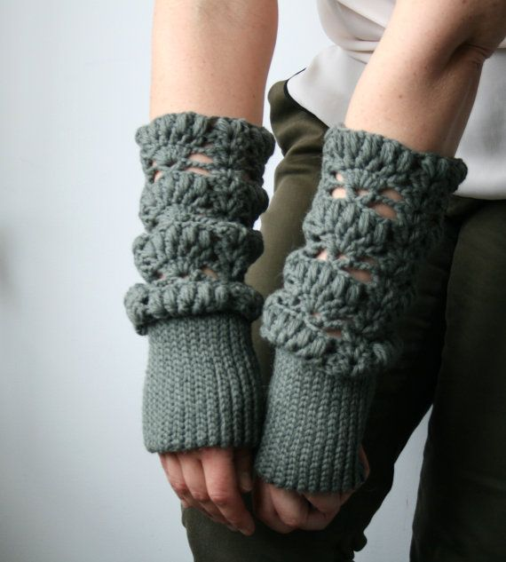 Knit Look Fingerless Glove / Wristwarmer pattern (163) by LuzPatterns | via Etsy.com